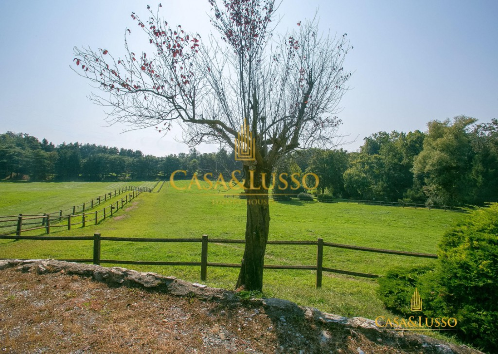 For Sale Villas Gavirate - Ranch with stables of racehorses Locality