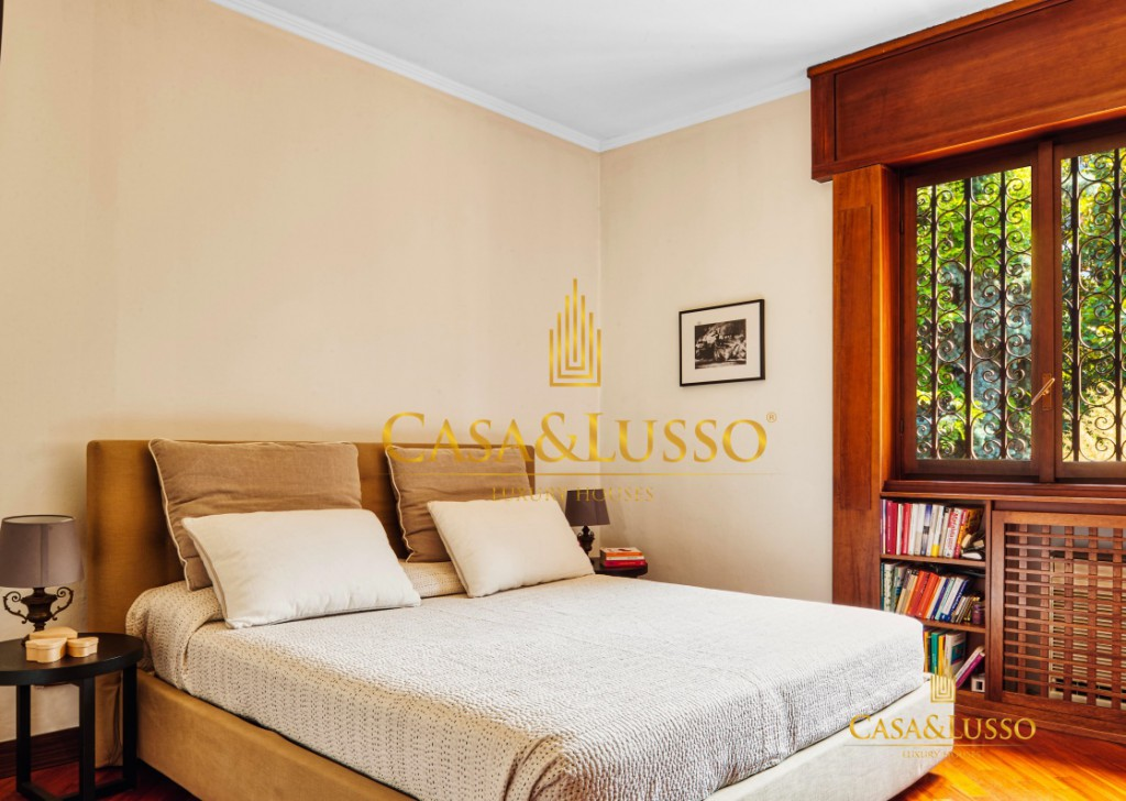 For Sale Villas Milan - Villa Single surrounded by greenery Locality