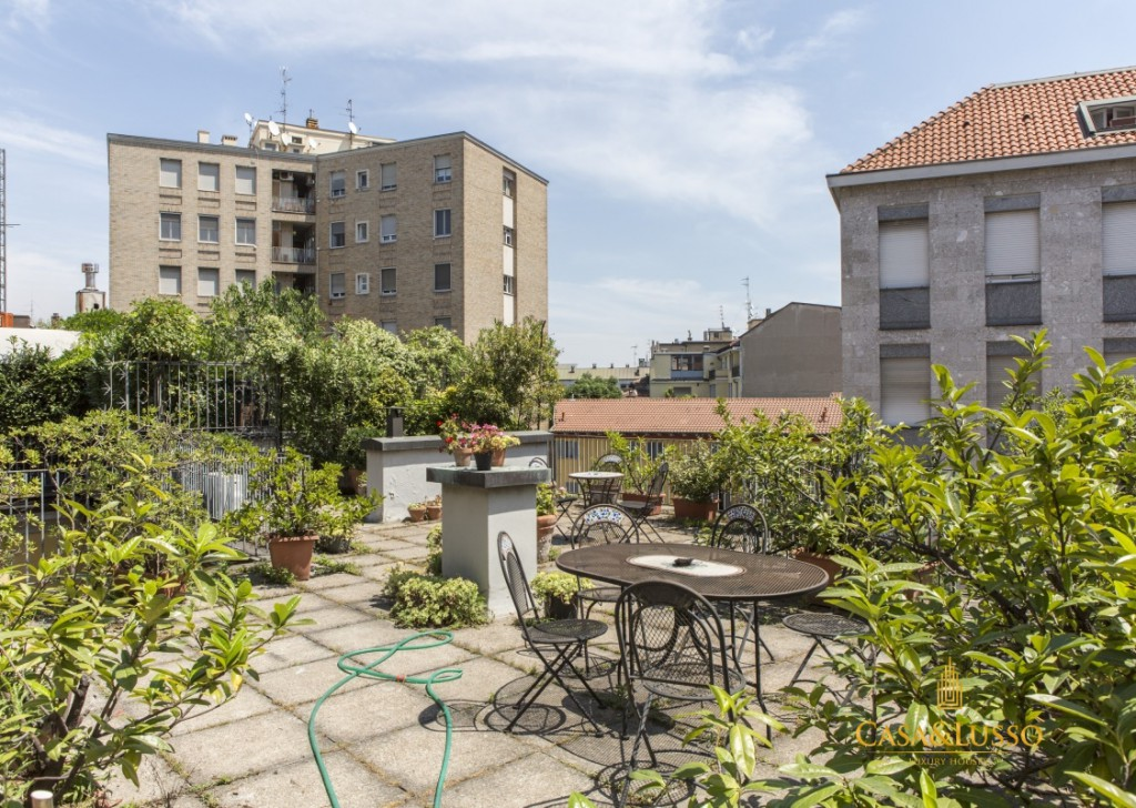 For Rent Penthouse Milan - Piazza San Babila, 2 rooms with terrace  Locality
