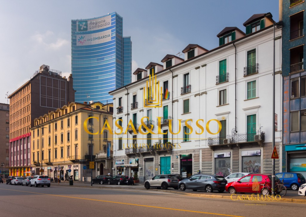 For Rent Apartments Milan - Renovated two-room apartment for rent in Melchiorre Gioia high floor Locality