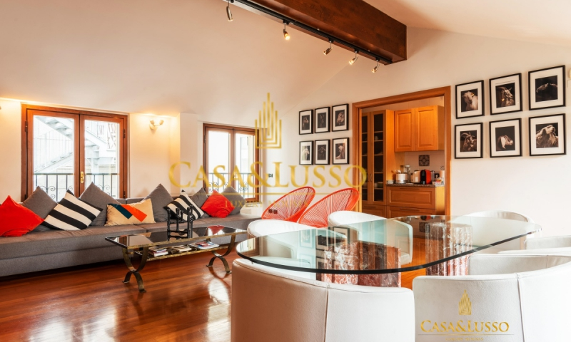 Piazza Sant'Alessandro, lovely penthouse