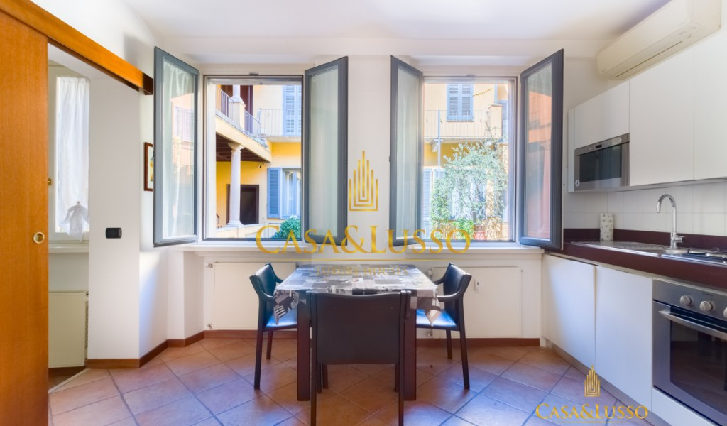 Milan fashion district, furnished apartment