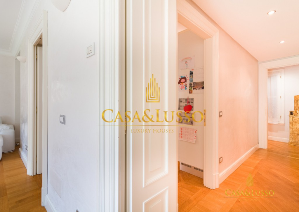 For Sale Apartments Milan - Apartment for sale in Brera in Palazzo del 1600 Locality