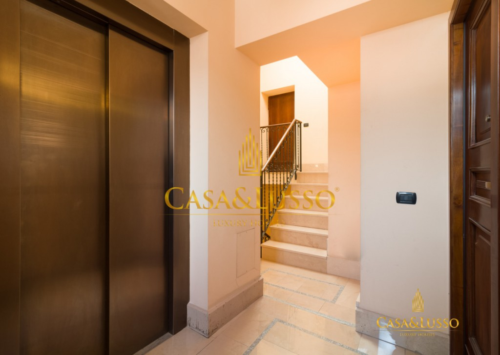 For Rent Penthouse Milan - Piazza Borromeo, Gorgeous Penthouse Locality
