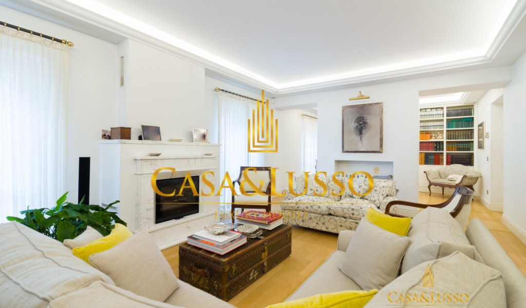Charme Penthouse in Repubblica area