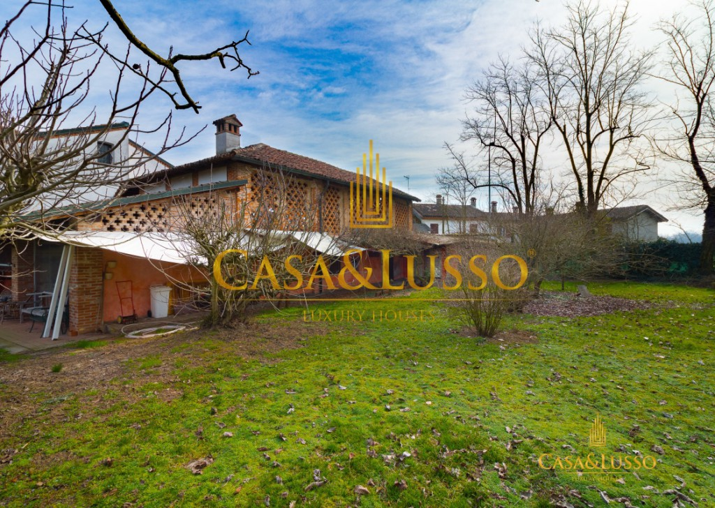 For Sale Villas Livraga - Typical Lombard farmhouse with mill Locality