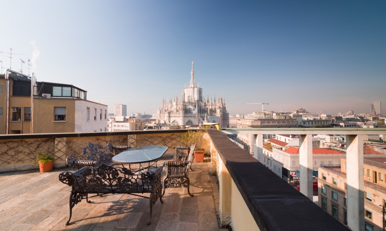 Penthouse with terrace overlooking the Duomo