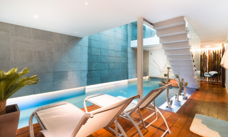 Affitto temporaneo, Loft con piscina interna privata